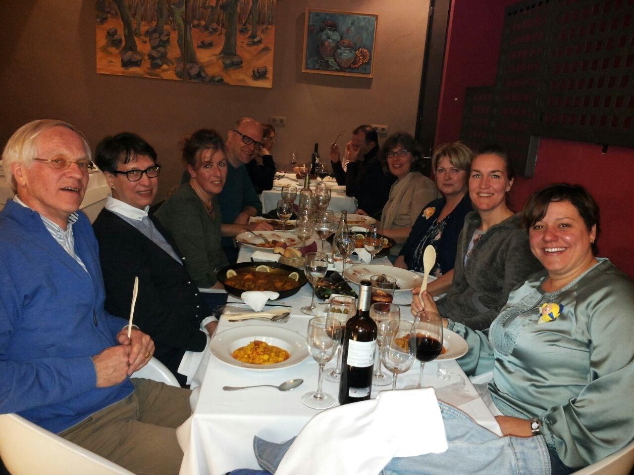 Studenten Spaans aan tafel